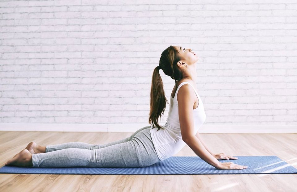Bhujangasana pose: how to perform it and total benefits