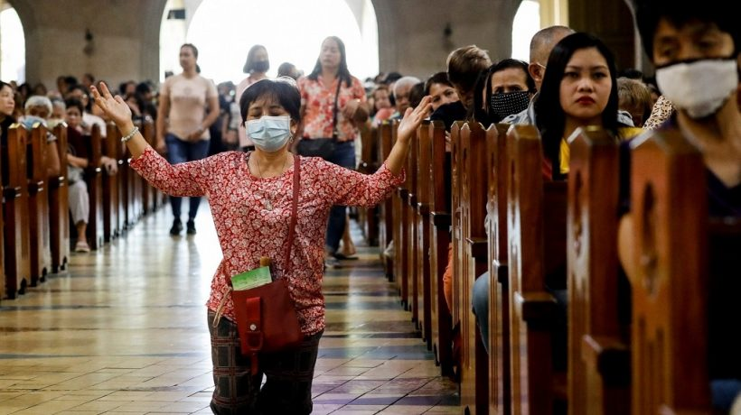 What happens on the days of the holy week?